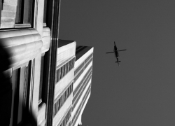 Elicopter on the Empire State Building
