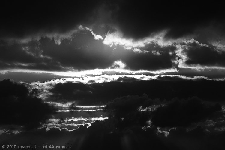 Clouds are rising - fine art photograpy - mvmnt.it